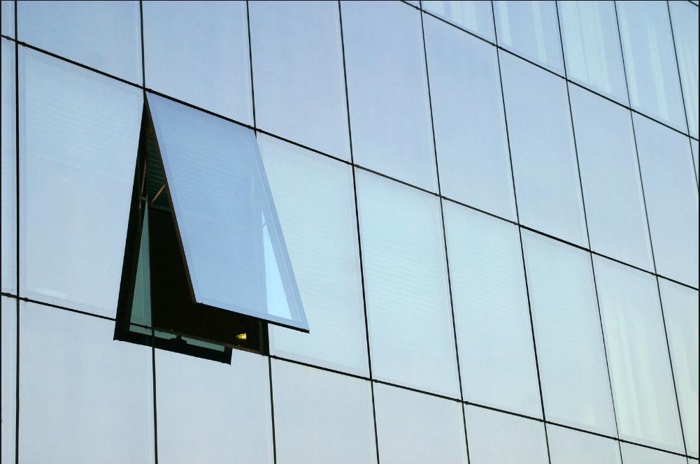 طراحی نمای شیشه ای فریم لس