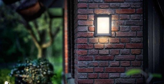 دقت به بافت متریال در نورپردازی آریاز دیزاین