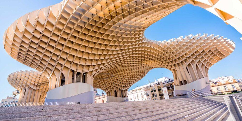 بهترین ساختمان های طراحی شده در جهان متروپول پاراسول - آریاز دیزاین