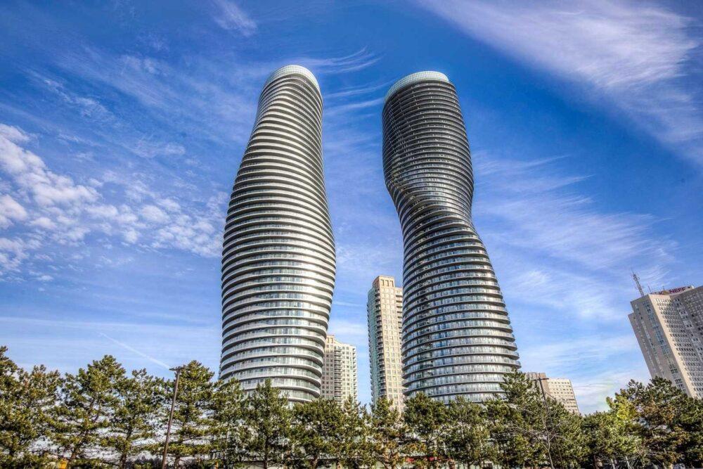 بهترین ساختمان های طراحی شده در جهان-جهان کامل Absolute World - آریاز دیزاین