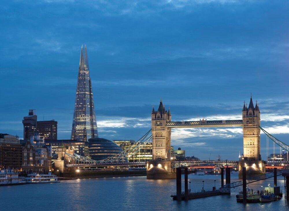 بهترین ساختمان های طراحی شده در جهان-شارد - آریاز دیزاین