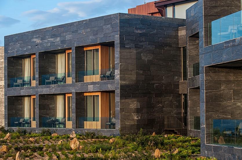نکات اجرایی نمای ساختمان-هم رنگ بودن ملات بندکشی و سنگ های نما-آریاز دیزاین